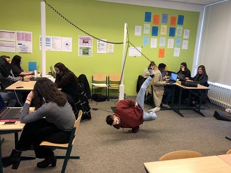 ProfielActueel - Sociaal Werk Summa College wil 'vonken' in plaats van 'vinken'