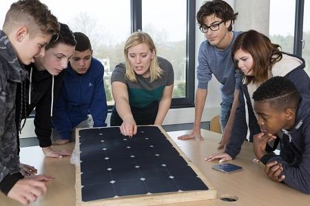 Techniektalent en FME – Bedrijven, verzorg een gastles op scholen