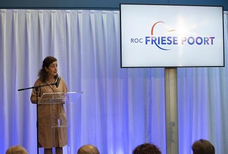 Minister opent schooljaar met bezoek aan ROC Friese Poort en Friesland College
